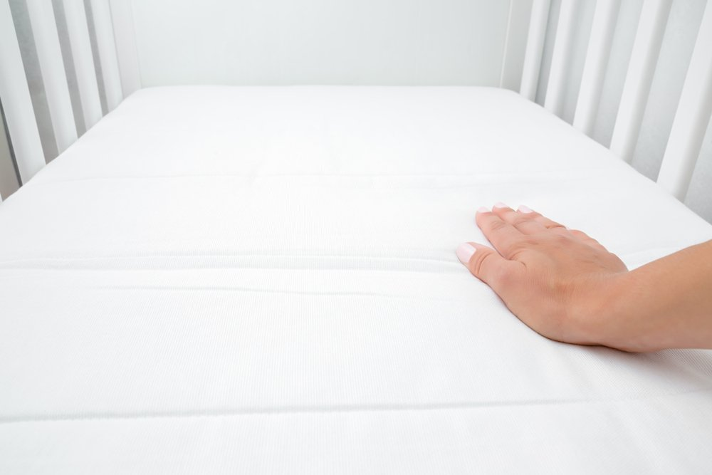 How To Choose The Right Crib Mattress Firm Mattress