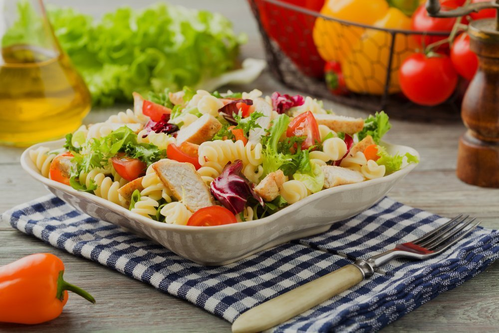 Easy and Delicious Family Picnic Snacks Chicken Pasta Salad