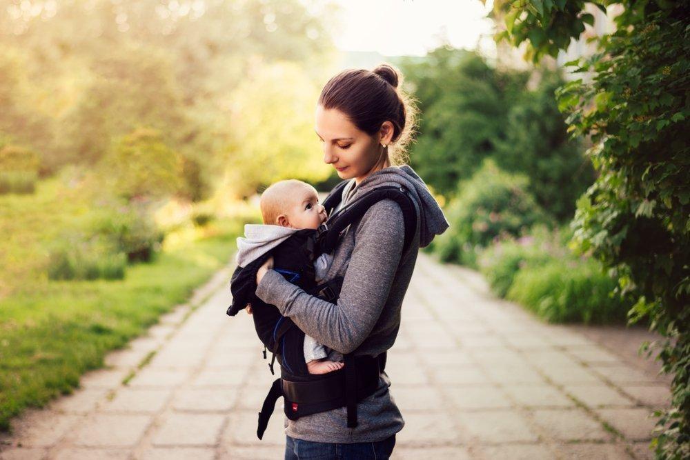 The Benefits of Babywearing