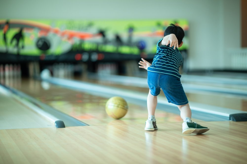 Ideas For Family Outings During Winter Go Bowling