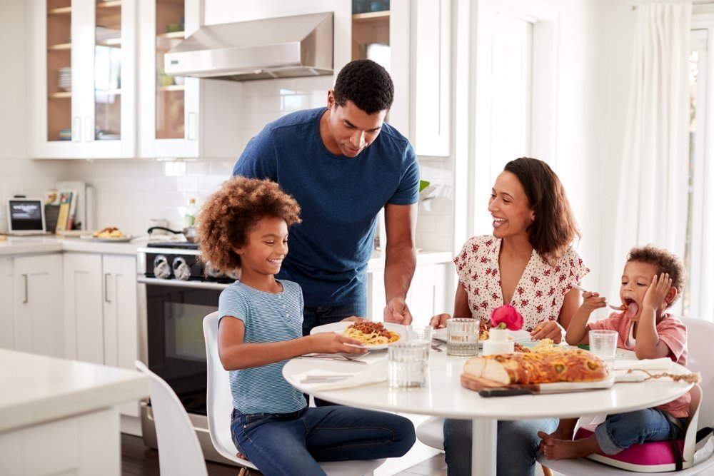 How To Deal With A Picky Eater Have Set Meal And Snack Times