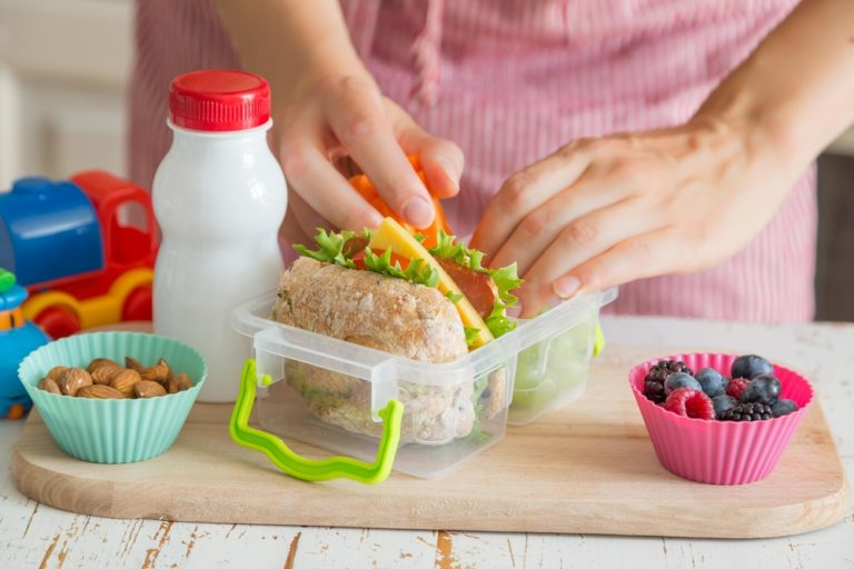 Tips To Pack Healthy School Lunches