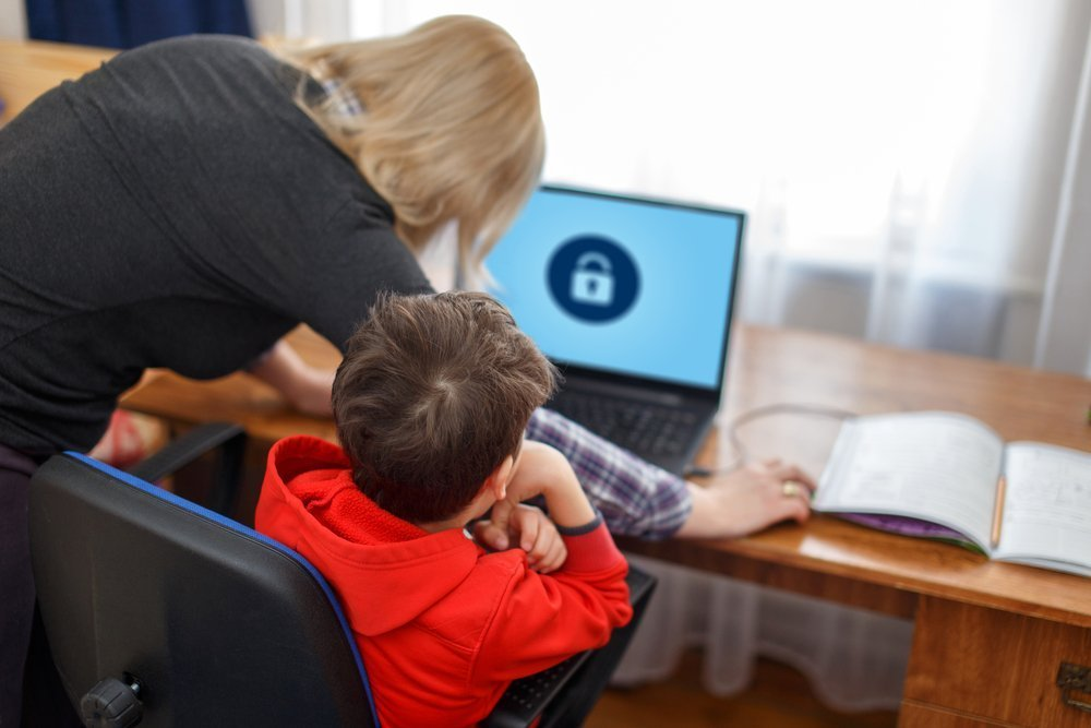 Teaching Your Children About Internet Safety 10 Rules