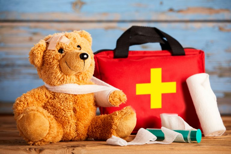Make Your Own First Aid Kit For Home – What You Need