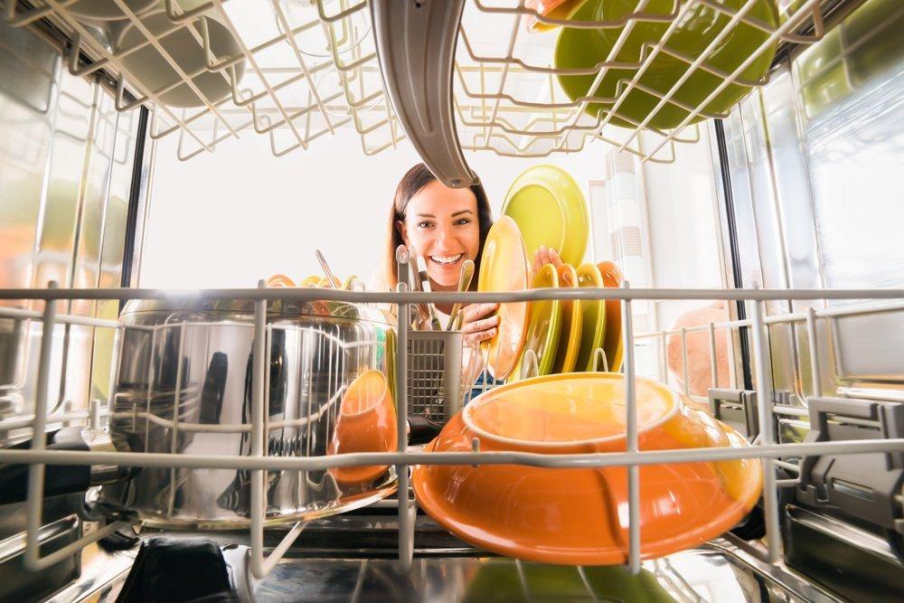 Vinegar Hacks To Keep Your Home Sparkling Vinegar In The Dishwasher