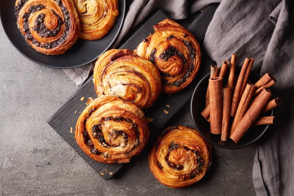 The Best Snacks To Pack For A Family Picnic Quick And Easy Cinnamon Buns