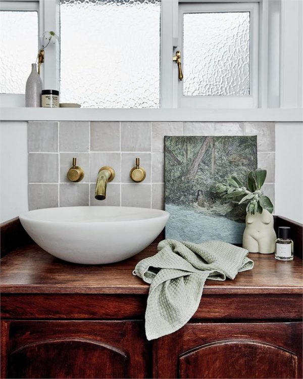 100% Linen Waffle Hand and Face Towel in Sage - Bed Threads