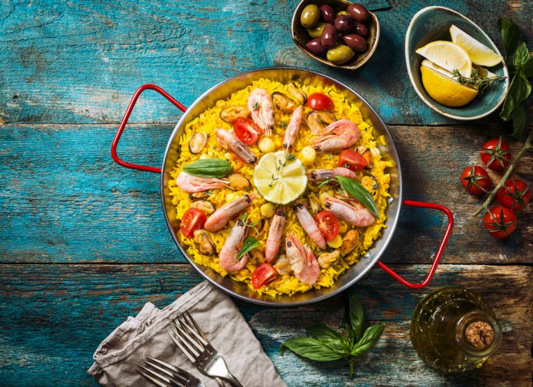 Perfect Paella For Dinner Parties